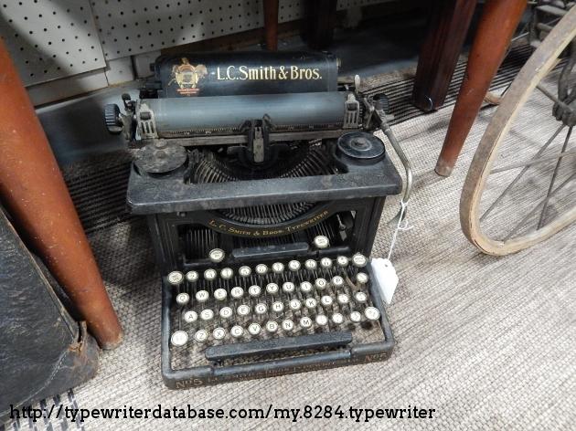 http://typewriterdatabase.com/img/glc-smith%20_8284_1497044299.jpg