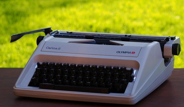 http://typewriterdatabase.com/img/golympia%20_4746_1432530702.jpg
