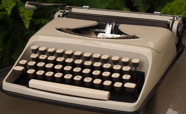 http://typewriterdatabase.com/img/gremington%20_2950_1407266356.jpg