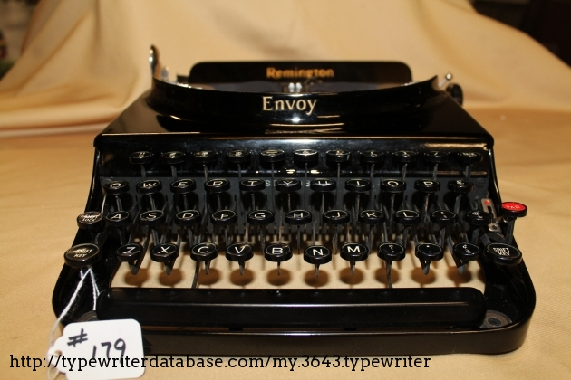 One-Of-A-Kind Vintage Remington Typewriter #UrbanOutfitters In a word,