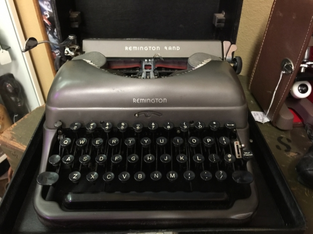 1948 Remington Portable 5 DeLuxe