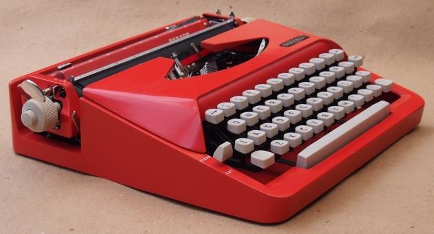 http://typewriterdatabase.com/img/groyal%20_2898_1406402569.jpg