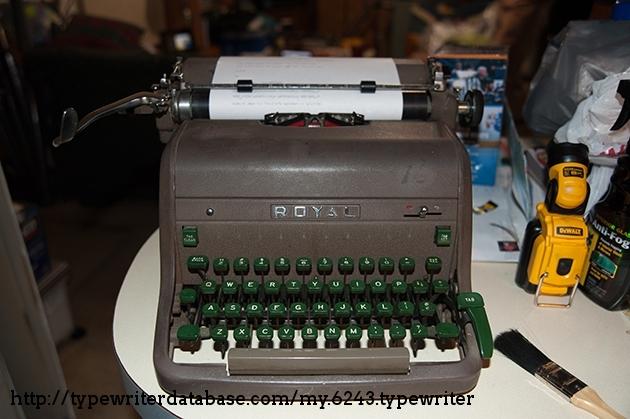 http://typewriterdatabase.com/img/groyal%20_6243_1464838639.jpg