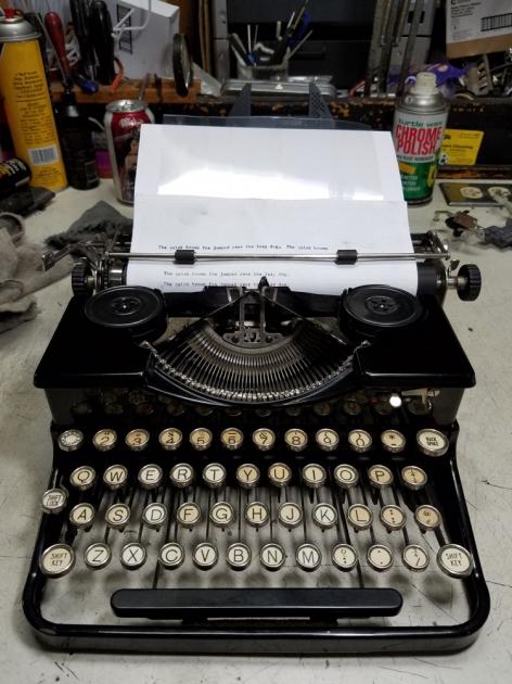 http://typewriterdatabase.com/img/groyal%20_8205_1496456563.jpg