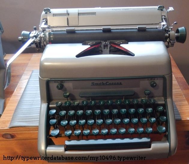 http://typewriterdatabase.com/img/gsmith-corona%20_10496_1522932378.jpg