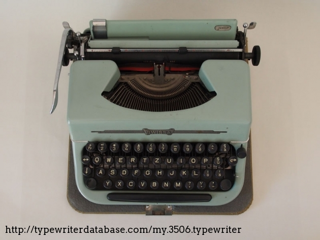 1964* Penncrest (SCM) Concord 10 on the Typewriter Database
