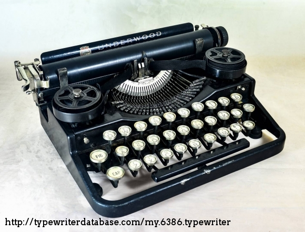1921 Underwood Portable 3 Bank