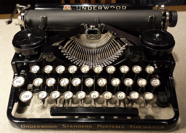 1923 Underwood Portable 3 Bank