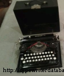 1925 Underwood Portable 3 Bank