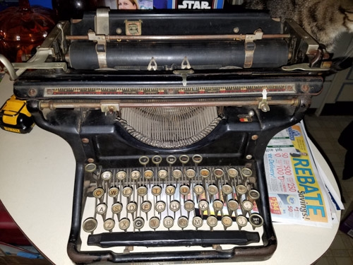 http://typewriterdatabase.com/img/gunderwood%20_7871_1494044232.jpg